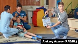 За секунду до начала съемок очередного дубля фильма «Безграничные возможности». Алматы, 9 июня 2017 года.