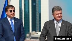 Бывший президент рядом с президентом