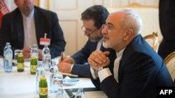 Իրանի ԱԳ նախարար Մոհամադ Ջավադ Զարիֆը Վիեննայում բանակցությունների ժամանակ, 27-ը հունիսի, 2015թ․