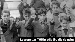 Испанские дети перед эвакуацией. Гражданская война в Испании, 1936-1939