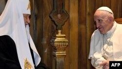 Rus pravoslav kilsəsinin patriarxı Kirill və Roma papası Francis
