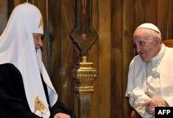Папа Римський Франциск (праворуч) і Московський патріарх Кирило. Куба, 12 лютого 2016 року
