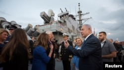 Netanyahu tours USS Ross at the Ashdod port