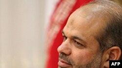 احمد وحیدی وزیر پیشنهادی دفاع در دولت دهم که از سوی پلیس بین الملل تحت تعقیب قرار دارد.