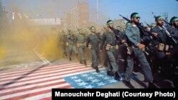 Снимок сделан иранским фотографом Манучером Дегати во время иранской революции 1979 года.