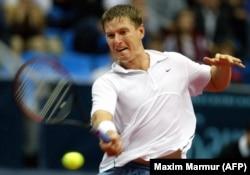 Bivši ruski veliki teniser Kafelnikov podržao je opozicionog političara i protivnika Kremlja, Alekseja Navalnog na predsjedničkim izborima 2018. godine. Navalniju je zabranjeno da učestvuje na izborima.