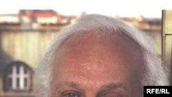 Петр Вайль участвовал в Международных Лихачевских чтениях в секции «СМИ в системе формирования картины мира»
