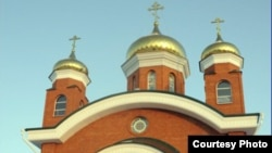 У храма Иоанна Богослова в городе Рудном. Иллюстративное фото.