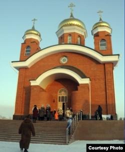Вновь открытый Иоанно-Богословский кафедральный собор. Рудный, 14 января 2012 года. Фото предоставлено Константином Вишниченко.