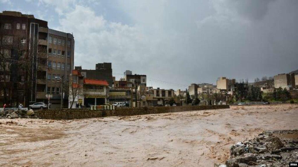 سیل در ایران: ۲۲ استان همچنان درگیر برف و باران و کولاک
