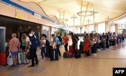 Очередь туристов на вылет из аэропорта Шарм эш-Шейха