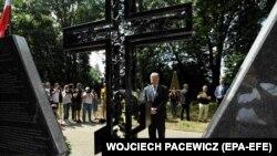 Петро Порошенко відкриває Меморіал пам'яті знищених українців Сагрині. Польща, 8 липня 2018 року