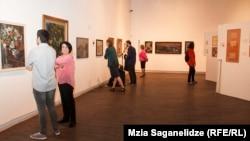 Экспозиция в Национальном музее посвящена Илье Зданевичу – теоретику авангарда, писателю, издателю и художнику, чье творчество напрямую связано с Грузией