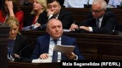 Григол Лилуашвили на слушаниях в парламенте, 16 октября 2019 г.