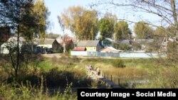 """Мост через речку Вазузу, на который жаловались местные жители. Источник: сообщество """"Люди в городе Сычевка (Смоленская область)"""