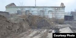Түркістандағы «Кіші түрменің» сыртынан қарағандағы көрінісі. Суретті Қайрат Мұсабаев жолдаған.