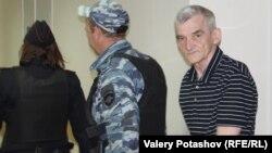 Юрій Дмитрієв (праворуч) був вдруге затриманий влітку 2018 року