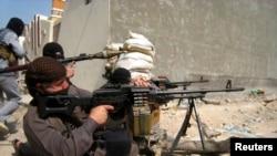 مسلحون في الفلوجة في شباط 2014
