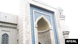 Құрбан айт мейрамының бірінші күні, Алматының орталық мешіті. 27қараша, 2009 жыл.