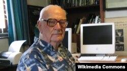 Arthur C. Clarke (1917-2008)