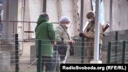 З 16 березня контрольні пункти пропуску через лінію фронту на Донбасі незвично спорожніли