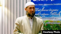 Obidkhon Qori Nazarov was one of the most popular imams in Central Asia in the early 1990s.