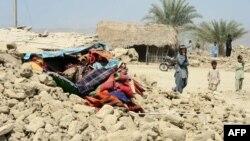 На месте землетрясения на юго-западе Пакистана (округ Аваран)