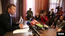 Заместитель председателя СММ ОБСЕ в Украине Александр Гуг