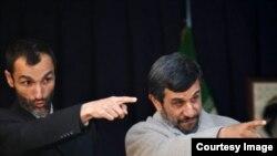 محمود احمدینژاد همراه با حمید بقایی، معاون اجرایی دولت دهم.