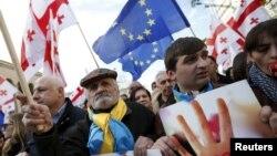 Tbilisidə keçmiş prezident Mikheil Saakashvilinin tərəfdarlarının keçirdikləri mitinqdən görüntü. 21 mart 2015