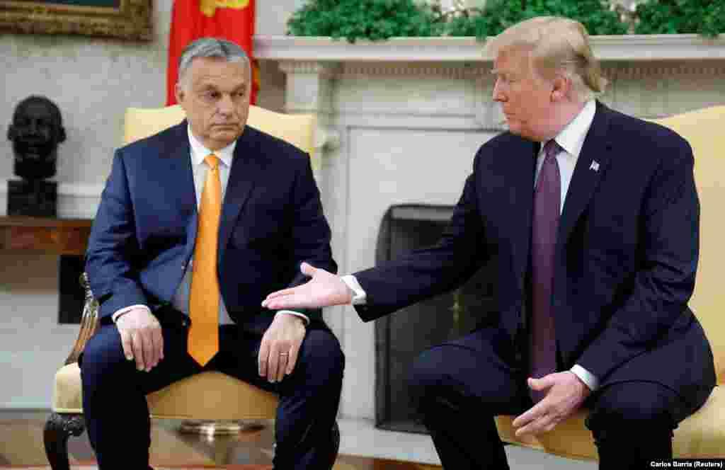 САД - Американскиот претседател Доналд Трамп го прими во Белата куќа унгарскиот десничарски премиер Виктор Орбан кој го претстави како тврд, но почитуван човек, иако малку контроверзен како него (како Трамп).