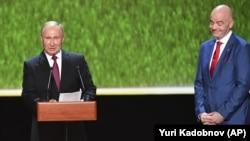 Президент FIFA Джанни Инфантино и президент России Владимир Путин. Москва, 14 июля 2018 года