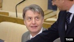 Убийство Андрея Козлова Радио Свобода прокомментировал председатель подкомитета ГД по банковскому законодательству Павел Медведев