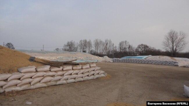 Подготовленный к отправке в Китай урожай сои
