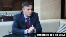 David McAllister, the leader of a European delegation, has urged Kosovo to drop its tariff on Serbian goods.