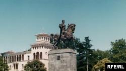 Удастся ли Саакашвили повернуть историю вспять и вновь сделать Кутаиси столицей - путь даже второй, покажет будущее