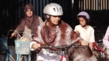 Pakistan - A NGO called Lyari's Girls Cafe in Karachi teaches girls to ride bicycles. VOA screen grab bikes biking cycling