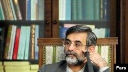 غلامحسین الهام که به چند شغله بودن معروف است باید میان عضویت در شورای نگهبان یا سایر مشاغل دولتی یکی را برگزیند.