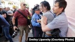 Напад на журналістів у Києві, 18 травня 2013 року (© Dmitry Lipavsky)