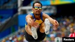 Один из спортсменов, участвующий в Паралимпийских играх в Рио-де-Жанейро.