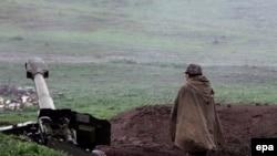 Таулы Қарабақтағы армян сепаратистерінің майдан шебі. 2 сәуір 2016 жыл.