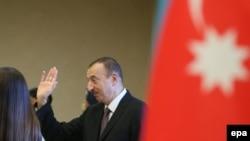 Ադրբեջան - Իլհամ Ալիևը նախագահական ընտրությունների օրը, Բաքու, 9-ը հոկտեմբերի, 2013թ.
