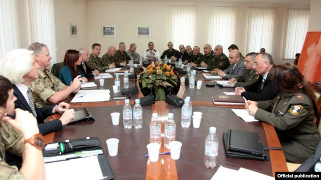 Armenia - A team of U.S. and British military officials (L) visits the Defense Ministry in Yerevan, 27Nov2012.