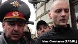Сергей Удальцов во время одного из задержаний. Сентябрь, 2011 г.