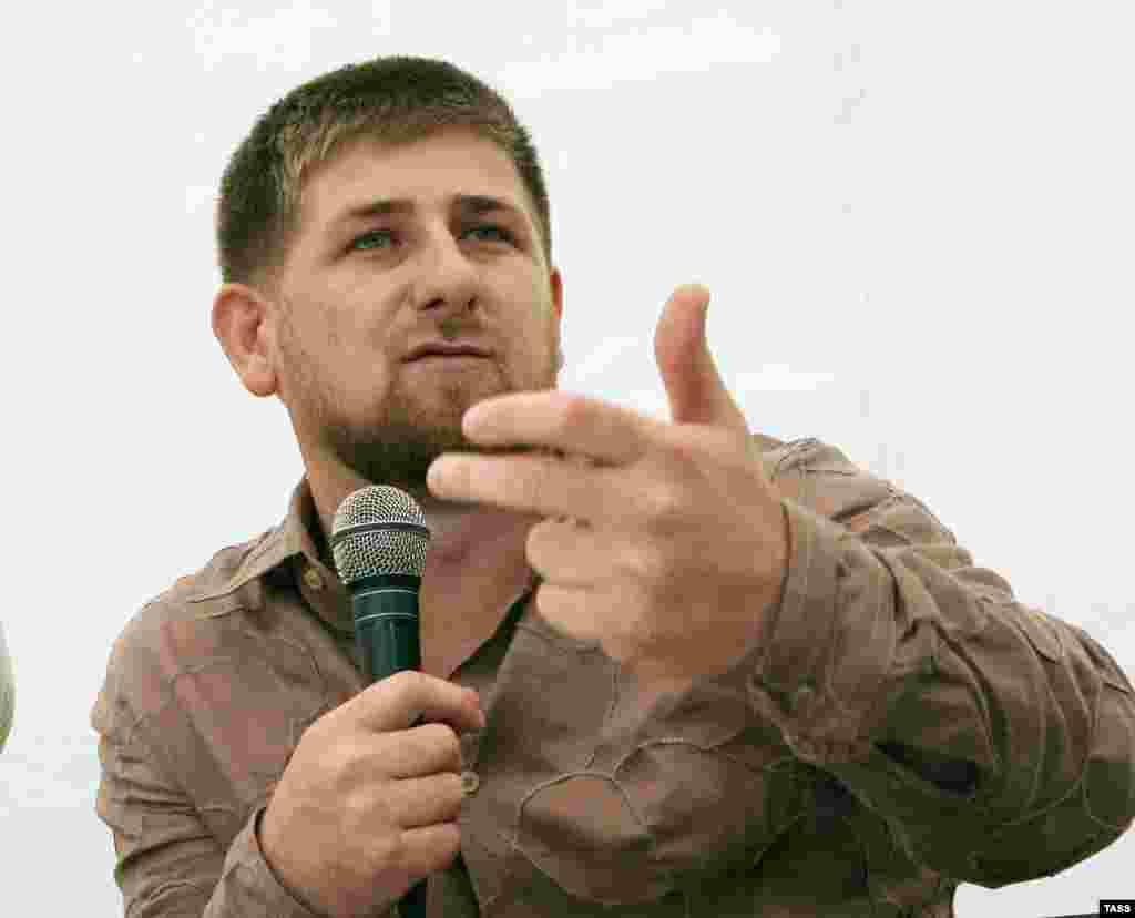 """Выступление с посланием лагерю активистов движения """"Наши"""" на Селигере. 28 июля 2006 г."""