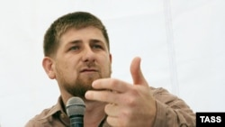 В свои 30 лет Рамзан Кадыров является почетным профессором Современной гуманитарной академии, академиком Академии наук Чечни, Героем России и Заслуженным строителем Чеченской республики