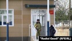 КПП на таджикско-узбекской границе. Иллюстративное фото