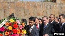 Liderul opoziției Levon Ter-Petrossian la comemorarea de azi a atacului terorist de la Erevan