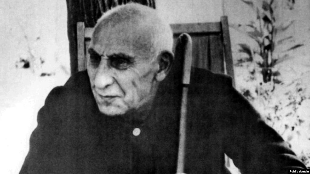 محمد مصدق نخستوزیر پیشین ایران