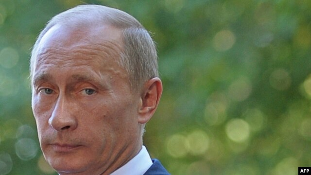 The article raises disturbing questions about Vladimir Putin's rise to power in Russia.